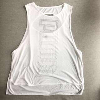 PUMA白女運動背心。L號。運動上衣。健身。慢跑。透氣舒適。