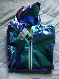 Holographic wind breaker | f21