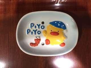 🚚 [二手]黃色小鴨Piyo Piyo 100%陶瓷製立體肥皂盤 厚底 瀝水功能
