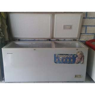 Freezer 600liter