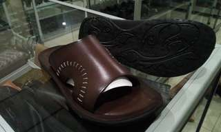 Sandal jepit kulit 08 Family Bunut Shoes marron