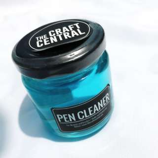Pen cleaner for dip and brush pen