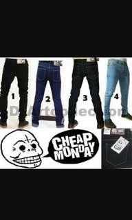 Koleksi celana jeans pria slimfit