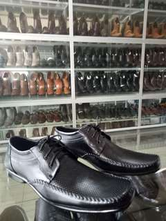 Sepatu kantor casual Family Bunut Shoes
