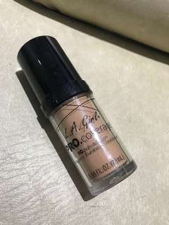 LA Girl Pro Coverage Illuminating Foundation - Natural