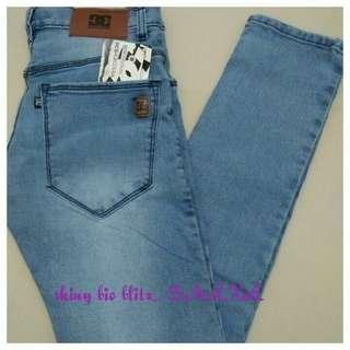 Koleksi celana jeans pria slimfit / cheap monday