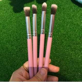 4 pcs eyeshadow brushes