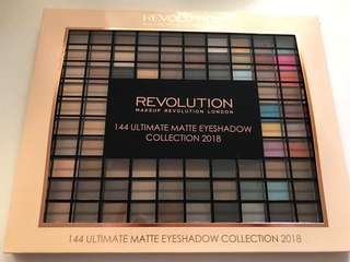 144 colors palette eye shadow by REVOLUTION