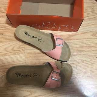 Sandals (size 7)