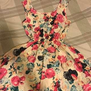Vintage Floral Dress (small/medium)