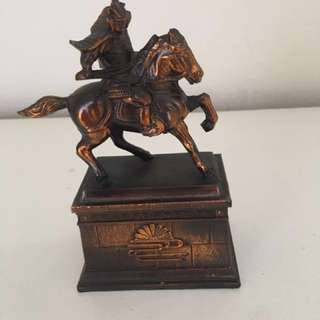 Bronze warrior ride horse statue