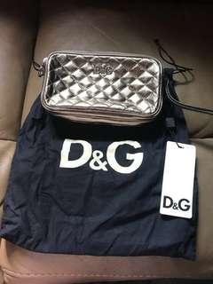 全新D&G 金屬色 wristlet