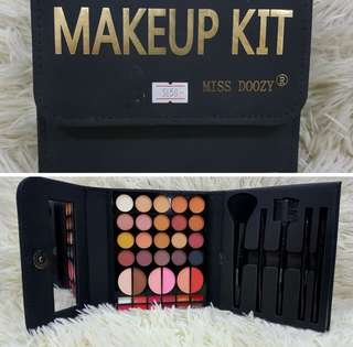 MISS DOOZY MAKEUP KIT
