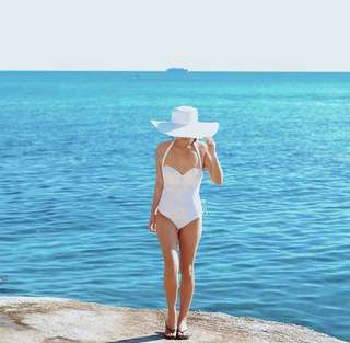 One piece swimsuit / Maillot