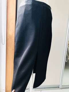 Black High waisted corporate skirt. Leatherlook . size 10-12