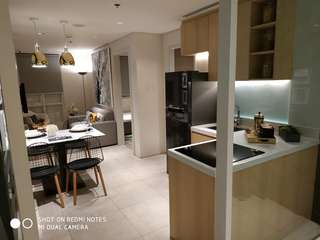 Own a luxurious 3BR Unit here at San Lorenzo Place in Makati. And be a neighborhood of our very own Miss U Ms. Shamsey Supsup. Save as much 5-8% discount Php 993,600 ($19,000). For Just Php51,239 ($1,020). #09239708448 >Eric