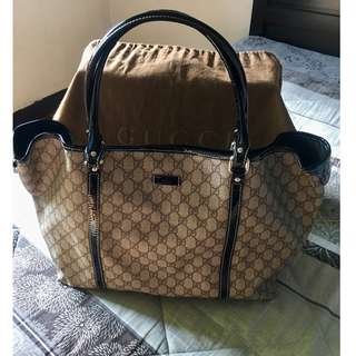 Authentic GUCCI GG Supreme Large tote bag