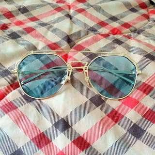 Blue Eyeglasses (kacamata)