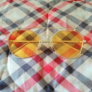Yellow Eyeglasses (kacamata)