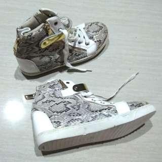 Sepatu keren!!!