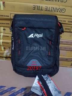 Tas Selempang Travel pouch REI 20197
