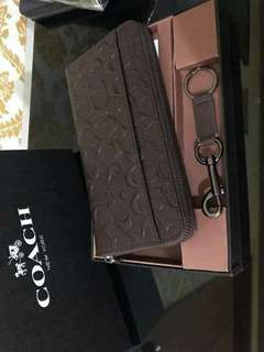 Coach wallet with key chain 🚩Ready to ship in limited Time