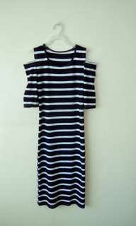 Striped long dress w/cut out sleeves detail
