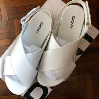 💯Authentic DKNY Bethune Jute Sandals (White)