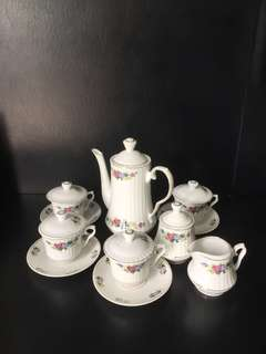 Tea/coffee set  (made in Korea)