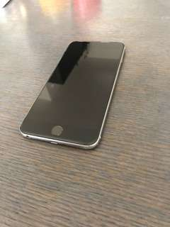 iPhone 6S plus 128G + 2 cases