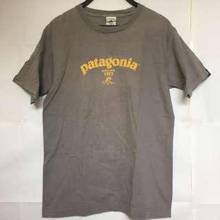 Vintage Patagonia logo tee size s