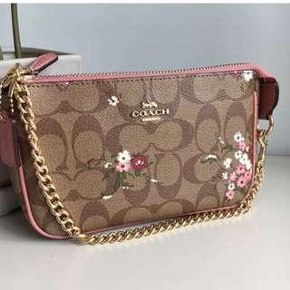 Coach 小花經典Logo大手挽袋 Floral Clutch Bag(粉紅/啡色 Pink/ Brown) 最後兩個 Last two!!