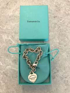 TIFFANY & CO. RTT HEART CHARM BRACELET