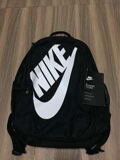 🚚 Nike 休閒籃球運動 筆電 後背包