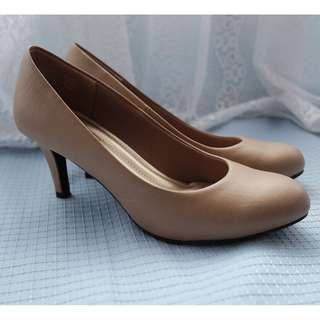 Brown Comfort Plus Pumps
