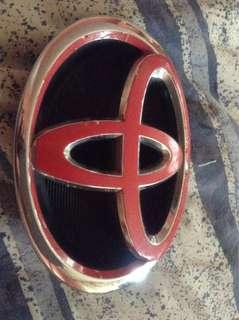 Vios 2015 bumper emblem