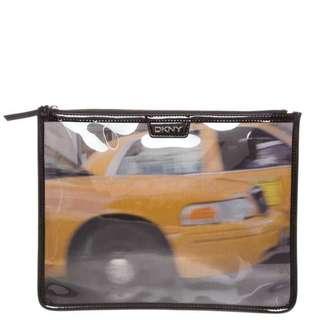 清貨** 低於一折 DKNY Clutch with Taxi Print