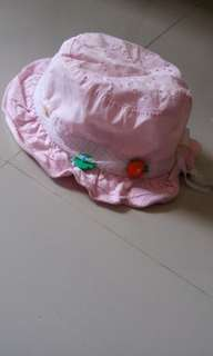 Topi pink