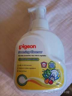 Pigeon Foaming Cleanser 700ml for toys, accessories, fruits and vegetables
