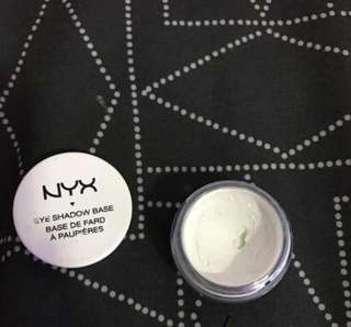 nyx eyeshadow base/ primer