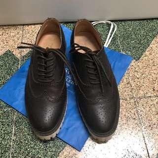 WALKING ZONE 增高 牛津雕花休閒皮鞋 eur41