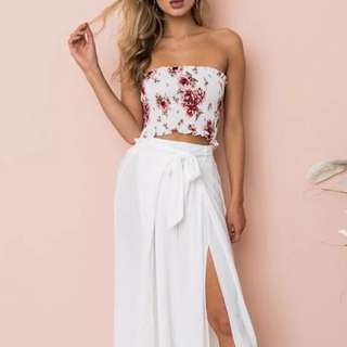 🚚 Instock! - BNIP White x Maroon x Pink Floral Bustier Bandeau Smocked Bardot Off Shoulder / Offsie Tube Cropped Top