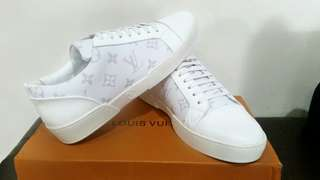 🚚 LOUIS VUITTON MATCH UP SNEAKERS