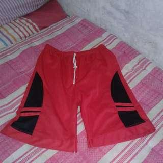 celana olahraga pendek cewek/cowok warna merah (second)