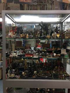 Vintage & Collectibles Clearances Sale All Must Go