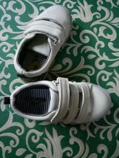 Kids shoes 2-5 y/o