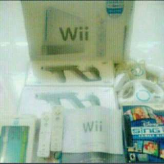 150 games + Full set Wii console