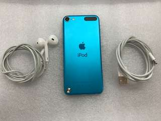iPod Touch 16GB (5th Generation) Original Accesories