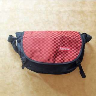 Messenger Bag / Tas Selempang Supreme