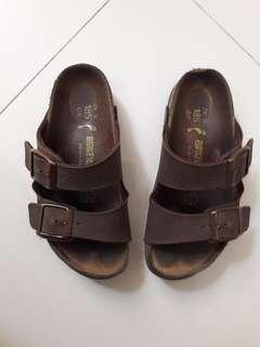 sandal anak birken size 28